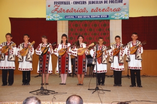 Secţiunea instrumentală – solişti instrumentişti şi grupuri instrumentale: Premiul 3 - Grup instrumental mandoline Giurgeni