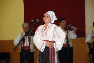 Secţiunea solişti vocali: Premiul 1 - Gheorghe Ana, Albesti