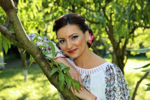 Nicoleta Rădinciuc Vlad - solist vocal