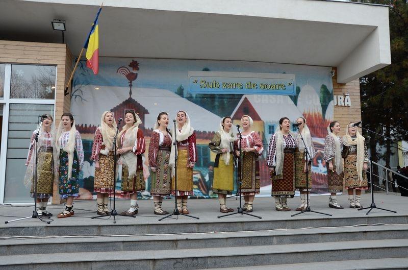Ansamblul folcloric ''Flori Dambovitene'' - Targoviste - Dambovita