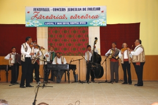 Secţiunea instrumentală – solişti instrumentişti şi grupuri instrumentale: Premiul 2 - Taraf Reviga